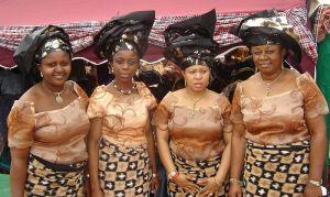 800px-Nigerian_women
